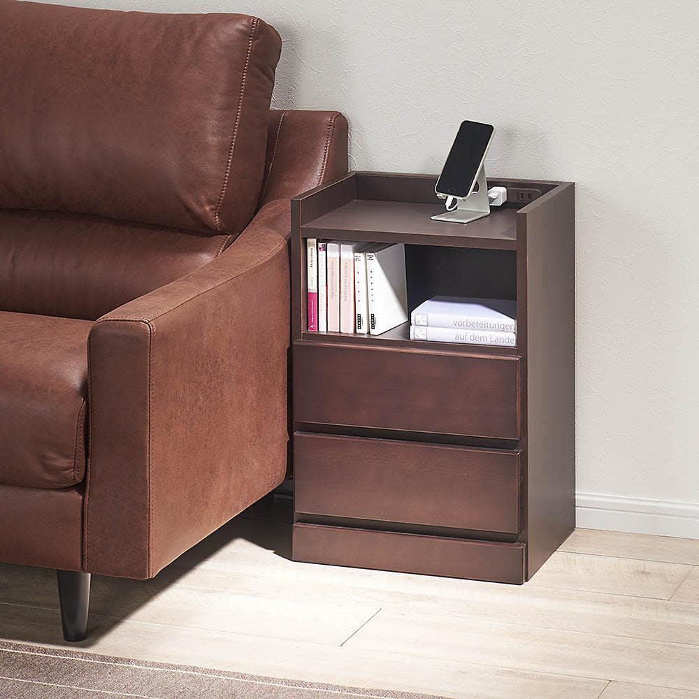 すき間ナイトテーブル (イ)ダークブラウン ソファーサイドテーブルとしてもおすすめです。※写真は幅40cmタイプ