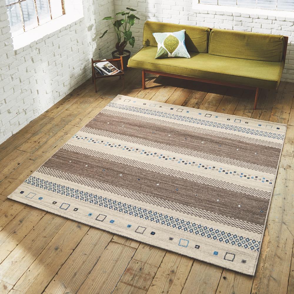 ベルギー製ウィルトン織りラグ〈ジーバ〉 (ウ)ブラウン系・約200×200cm
