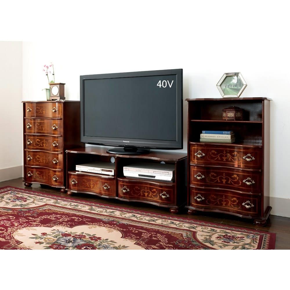 イタリア製象がんクラシック家具 テレビボード幅111cm 使用イメージ