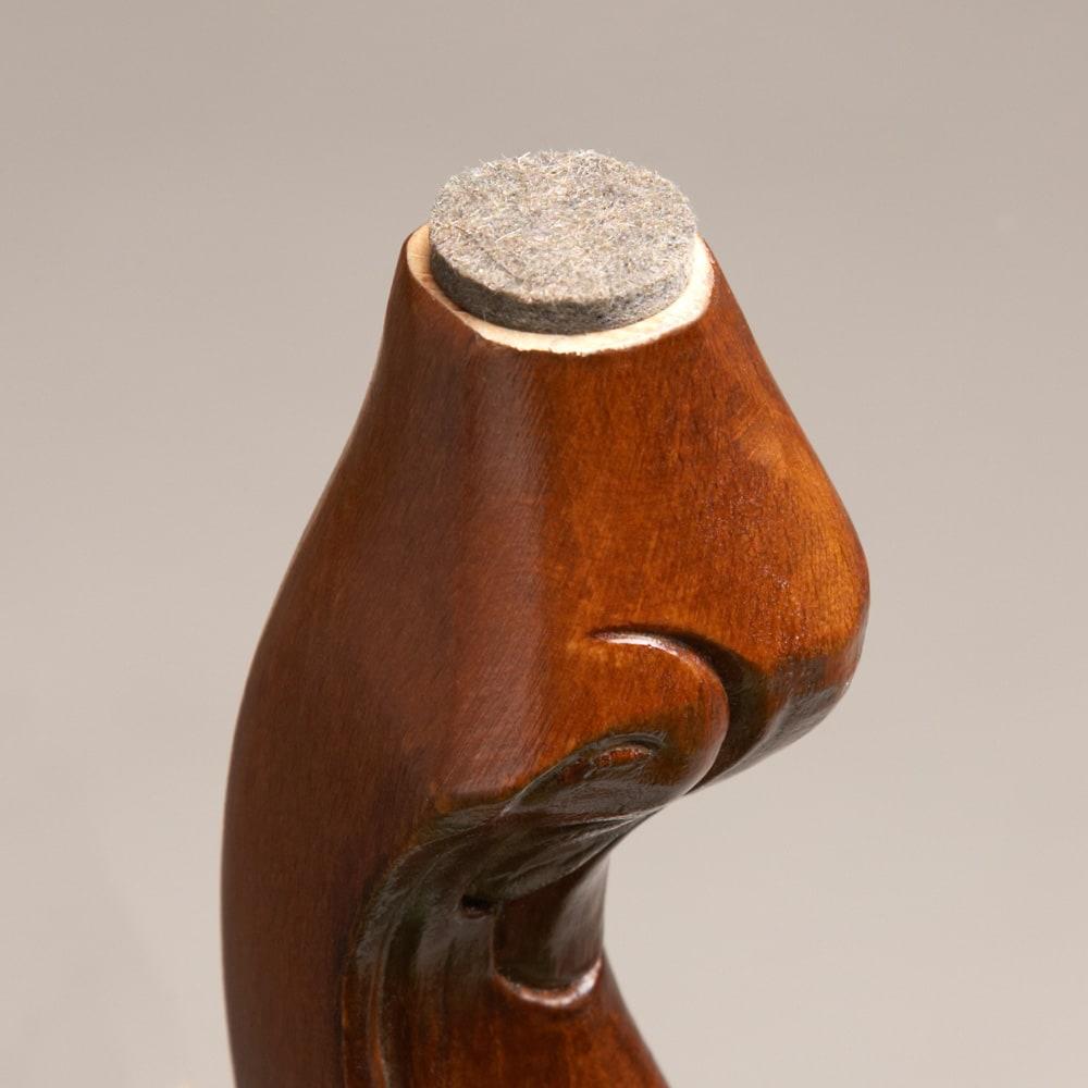 イタリア製クラシックシリーズ スツール 幅47奥行36高さ47cm 脚部裏には床を傷つけないようフェルトシールが付属しています。