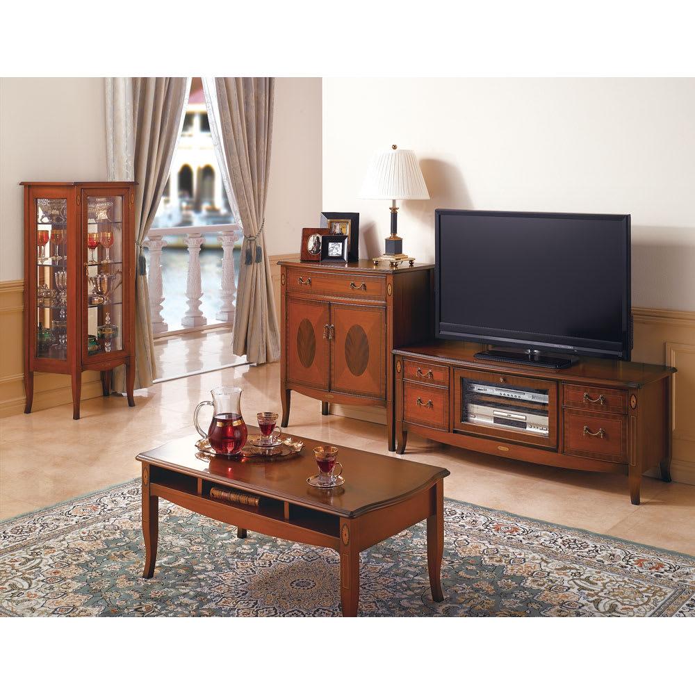 ベネチア調象がんシリーズ センターテーブル・幅95cm ヨーロッパの伝統的な邸宅の雰囲気を再現するベネチア風家具。職人の技が際立つクラシックで本格的な逸品。