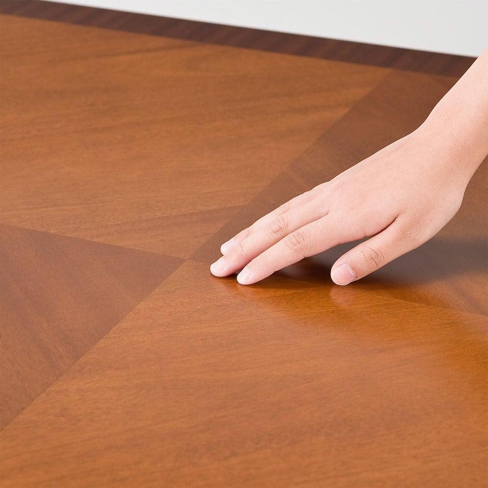 ベネチア調象がんシリーズ ダイニングテーブル・幅85cm 天板の模様は職人のなせる業の集大成。