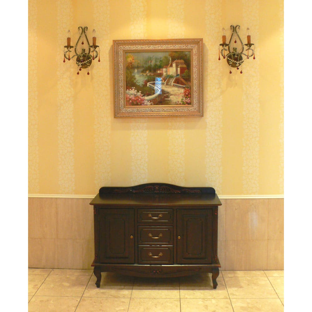 アンティーク調クラシック家具シリーズキャビネット・幅110cm リビングや玄関など、お使い頂く場所を選びません。