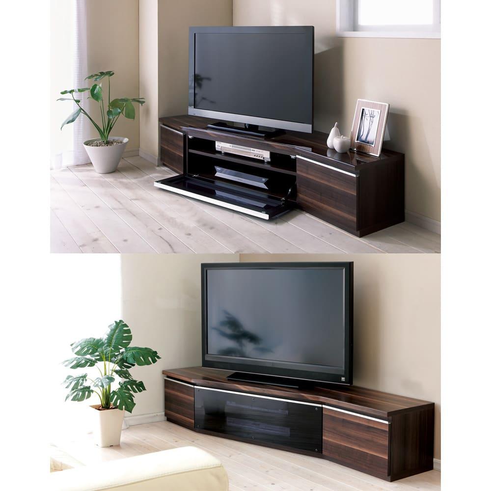 住宅事情を考えたコーナーテレビボード 幅165cm・左コーナー用(左側壁用) [写真上]マンションにありがちな梁にも、沿う様な形でぴたり。○写真の液晶テレビは40V型[写真下]スタイリッシュなガラス扉がハイセンスにお部屋を彩ります。実は薄型テレビ専用じゃない!なんとブラウン管でも使える設計。○写真の液晶テレビは42型