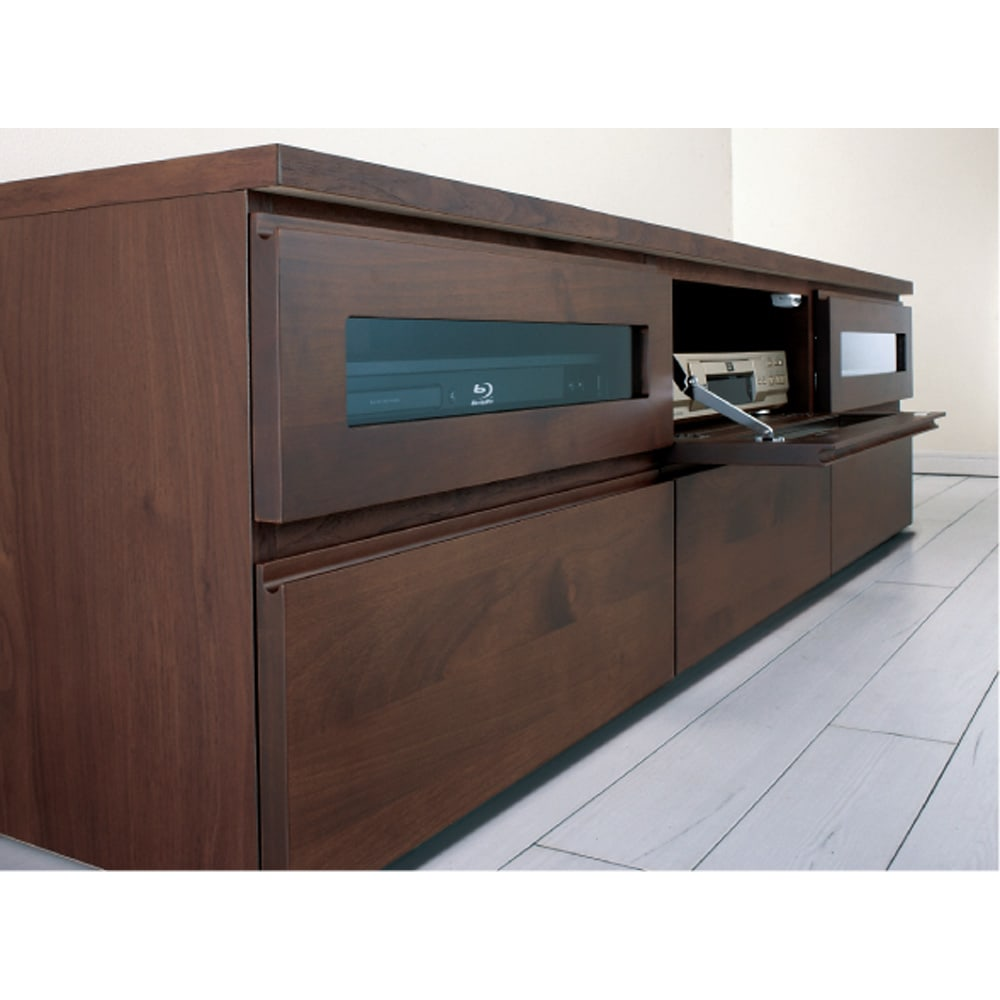 アルダー天然木ユニットボード キャスター付きテレビ台 幅106cm 前面には温もりのあるアルダー無垢材を使用。