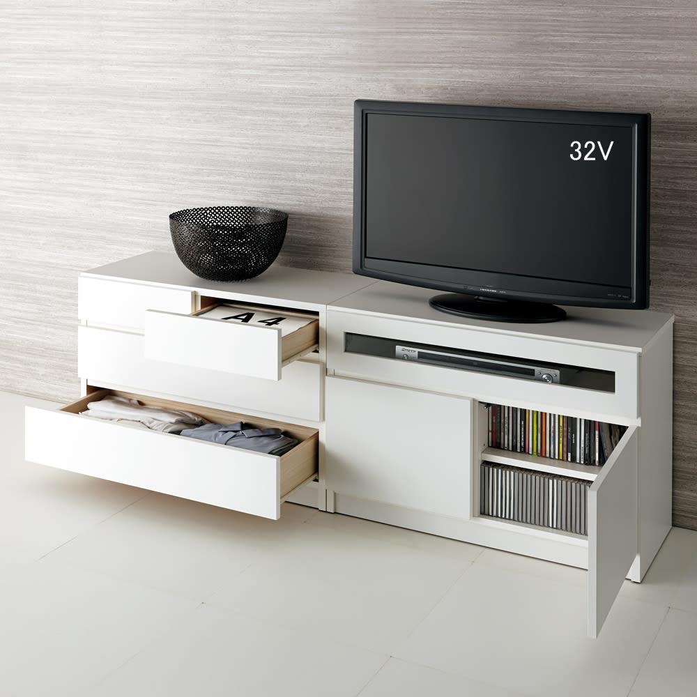 【完成品・国産家具】ベッドルームで大画面シアターシリーズ テレビ台 幅105高さ55cm 使用イメージ(ア)ホワイト ※写真のテレビ台は幅80高さ55cmです。