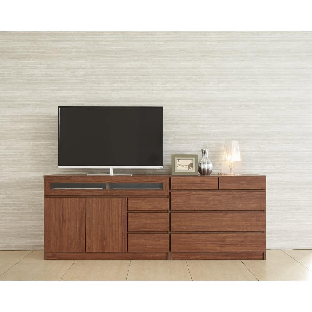 【完成品・国産家具】ベッドルームで大画面シアターシリーズ テレビ台 幅105高さ55cm 使用イメージ(ウ)ダークブラウン ※写真のテレビ台は幅105高さ70cmです。