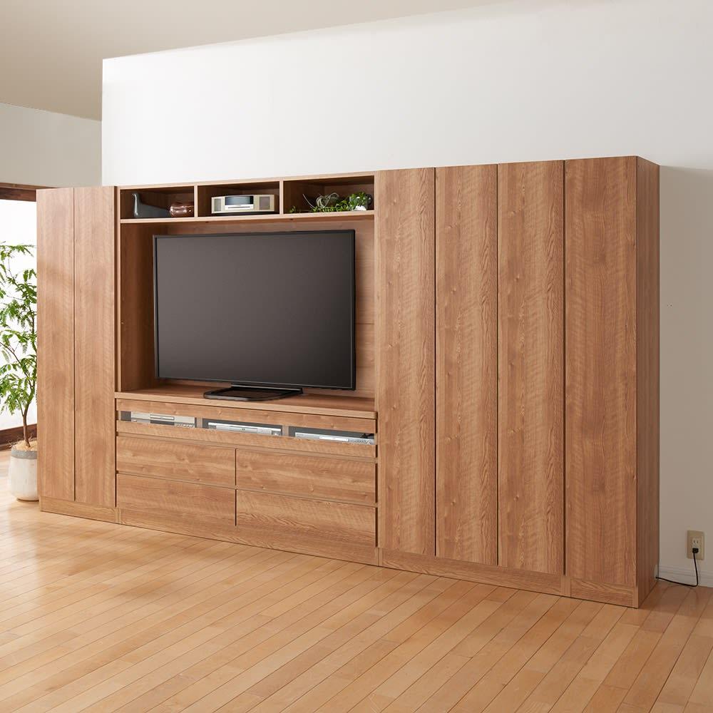 天然木調 リビング壁面収納シリーズ テレビ台 ハイタイプ 幅155cm 上置きなしで使用すればスペースに余裕が生まれるので、お部屋全体がすっきりした印象になります。