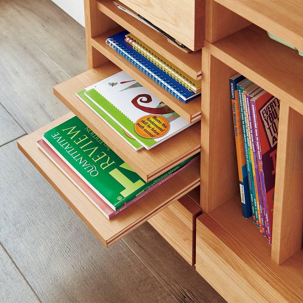 【北欧テイスト】アルダー天然木伸長デスク付きランドセルラック 小引き出し・トレー収納部左 教科書やプリントを分類して収納できます。
