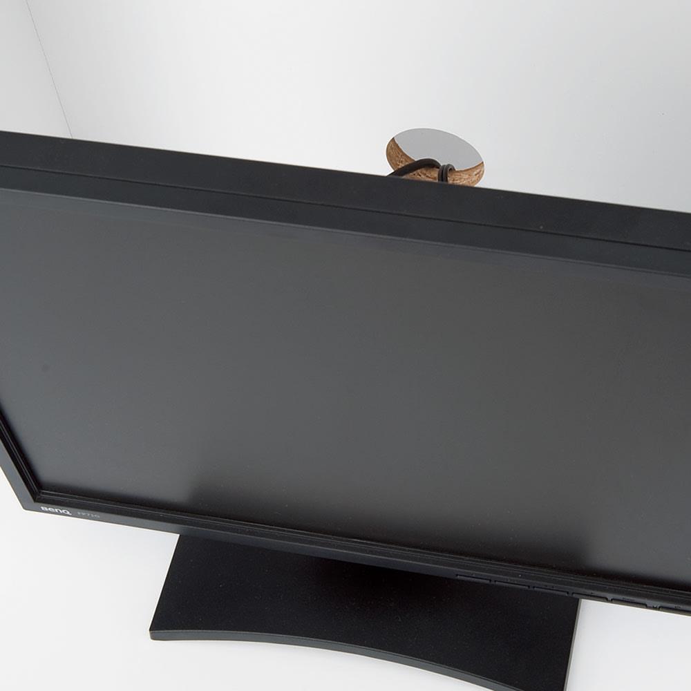 壁面収納引き出し付きデスク 幅150・高さ180cm【チェスト付き】 デスクの棚には各1ヵ所ずつ配線用のコード穴付き。