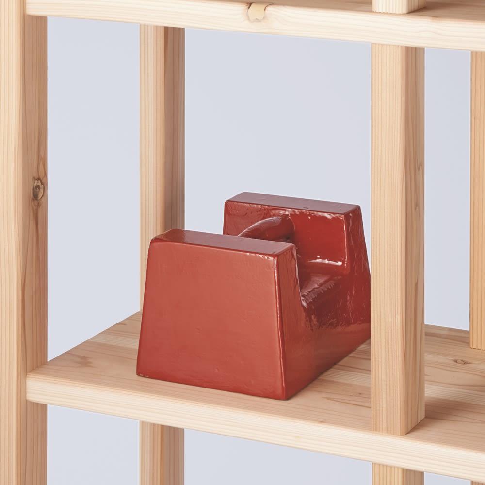 国産杉 頑丈スクエアラック 3列 幅111奥行32cm 耐荷重約30kgの頑丈棚板を採用。