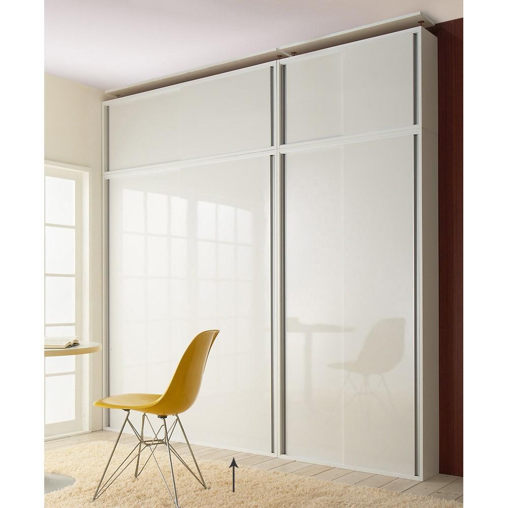 光沢仕様 引き戸壁面収納本棚 幅150奥行21高さ180cm 高さ180cm奥行21cm幅90cm、150cmと上置き幅90cm、150cmの組み合わせ例。