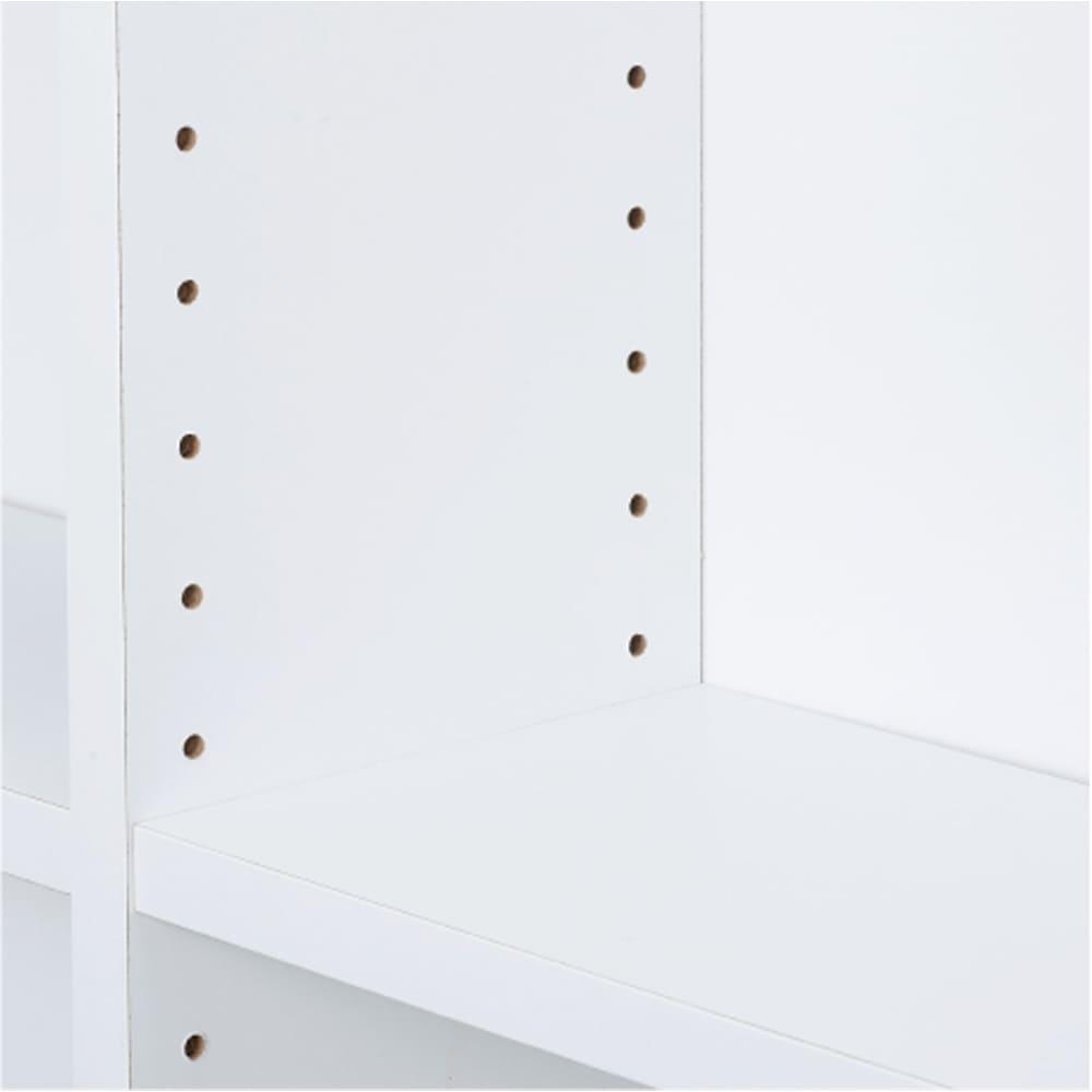 光沢仕様 引き戸壁面収納本棚 幅150奥行21高さ180cm 中央1枚は固定棚。それ以外の棚板は3cm単位の高さで調節できます。