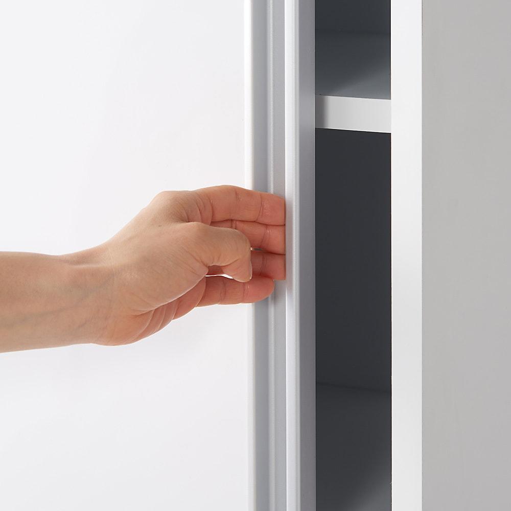 光沢仕様 引き戸壁面収納本棚 幅150奥行40突っ張り上置き高さ55~70(本体52)cm