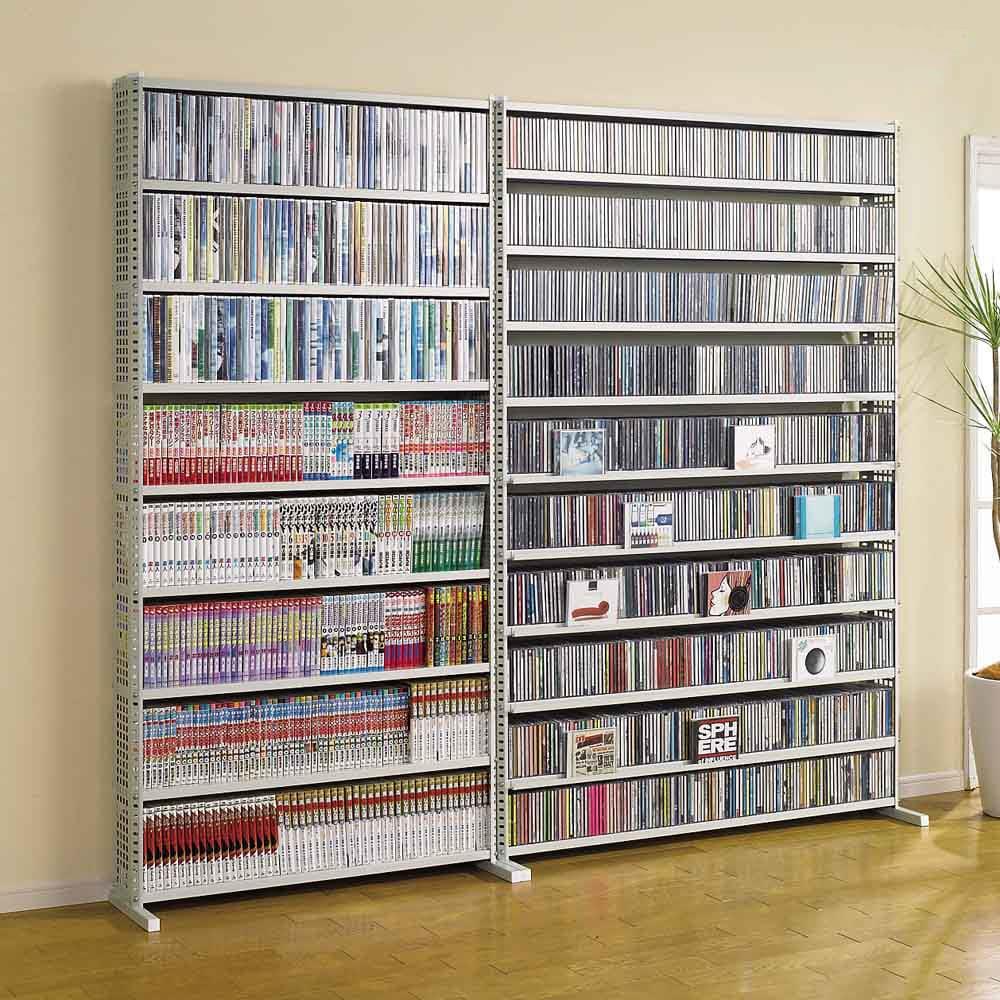 パンチングコミックラック スタンド式(奥行27・高さ183cm)コミック用 幅60.5cm (ア)ホワイト ※写真は(左)コミック用幅90.5cm、(右)CD用幅120.5cmです。