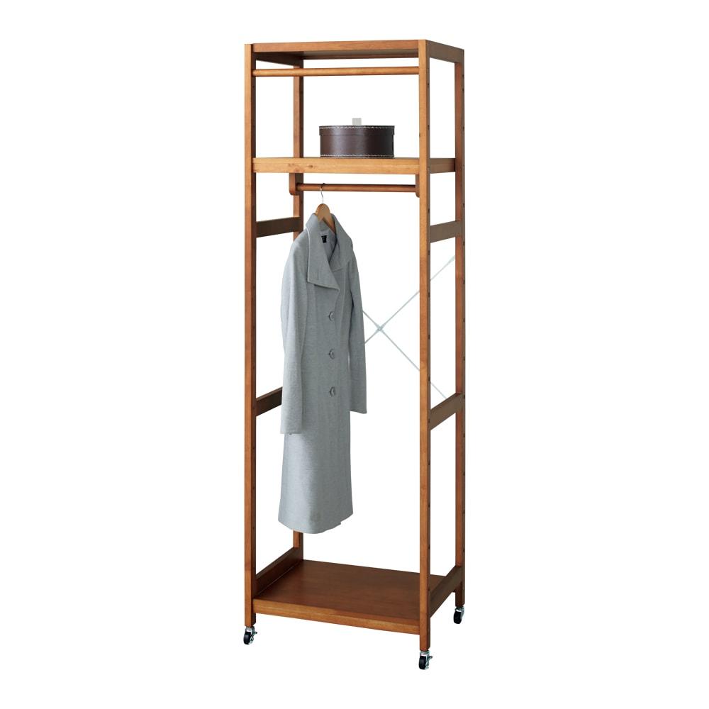 【総耐荷重約50kgで頑丈なつくり】 キャスター付き天然木ハンガーラック 幅60cm ロングコートも折り目を付けずに掛けられます。