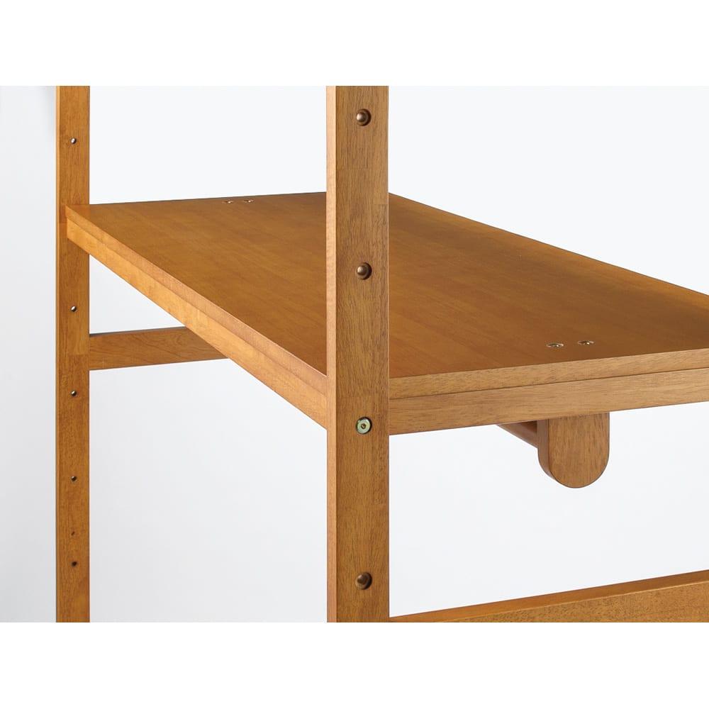 【総耐荷重約50kgで頑丈なつくり】 キャスター付き天然木ハンガーラック 幅90cm 棚板は収納物に合わせて13cm間隔で高さの調節ができます。