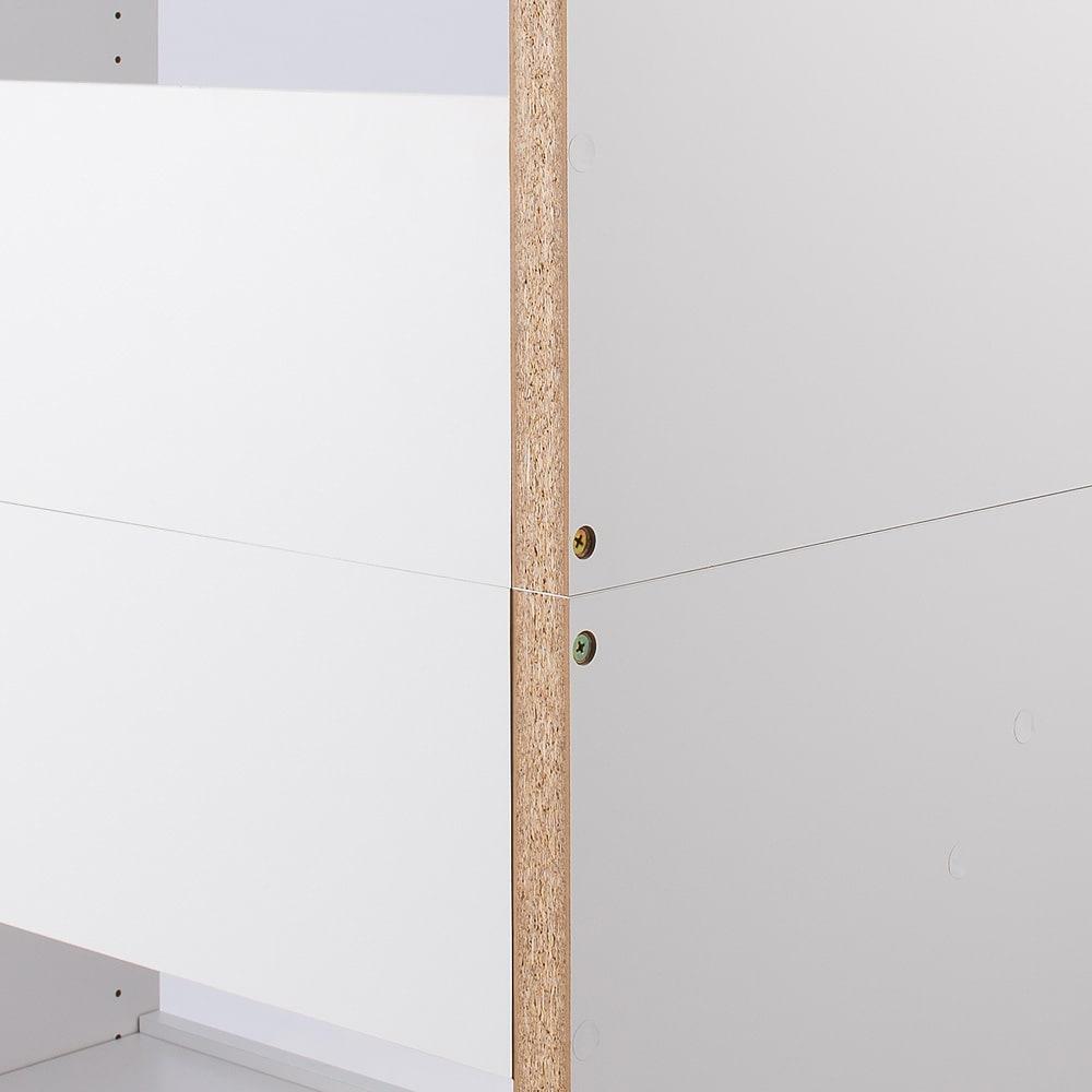 ウォークインクローゼット収納シリーズ 棚タイプ 幅30cm・奥行55cm 上下のフレームは背面の補強でしっかり固定。安定して設置できます。