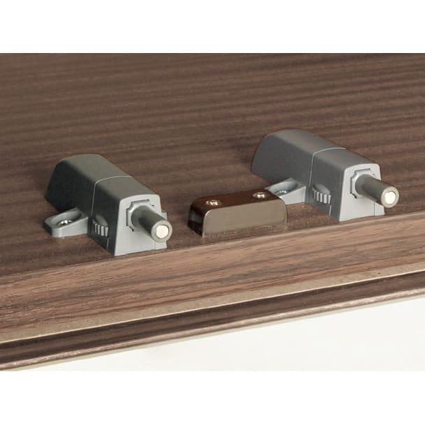 【日本製】シンプルスタイルワードローブ上置き(高さ1cm単位オーダー) 幅77.5cm 奥行26cmタイプ(梁よけ対応) 【プッシュラッチ】 軽く押すだけで扉を開閉することができます。(※お届けの色とは異なります。)
