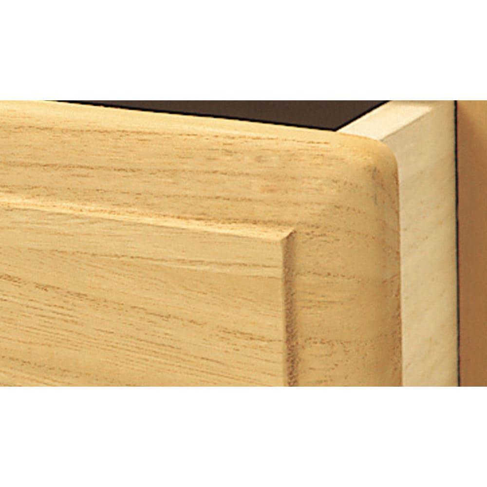 【日本製】北欧風総桐チェスト 幅75cm・7段(8杯) 【とのこ・ろう引き仕上げ】 表面は、桐の特性(調湿効果)を損なわず、汚れをつきにくくする伝統的な仕上げ方法を用いています。
