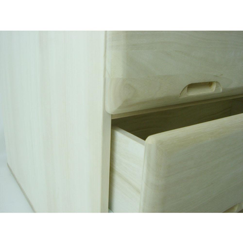 【衣類に優しい押し入れ収納】総桐スライドレール押入3段 ミドル64 前板は丸みのあるデザイン。