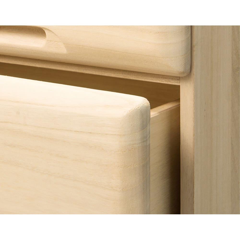 【衣類に優しい押し入れ収納】総桐スライドレール押入3段 ミドル64 ボリュームがあって高級感漂う分厚い前板。