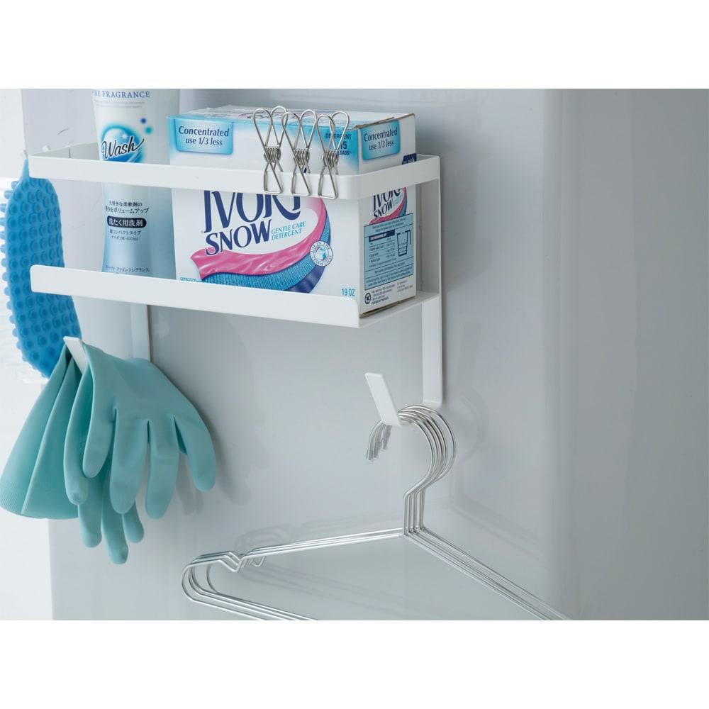 洗濯機マグネットホースラック洗剤ボトル付 ハンガーの収納にも。