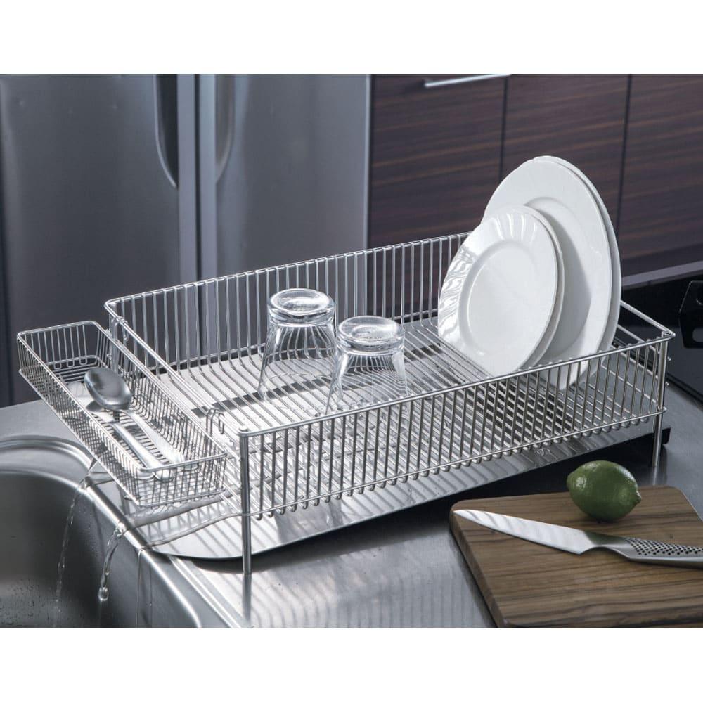 有元葉子のラバーゼ オールステンレス製水切りカゴセット 横置き 大サイズ 水切り手前の調理スペースが広々使える横置きタイプ。