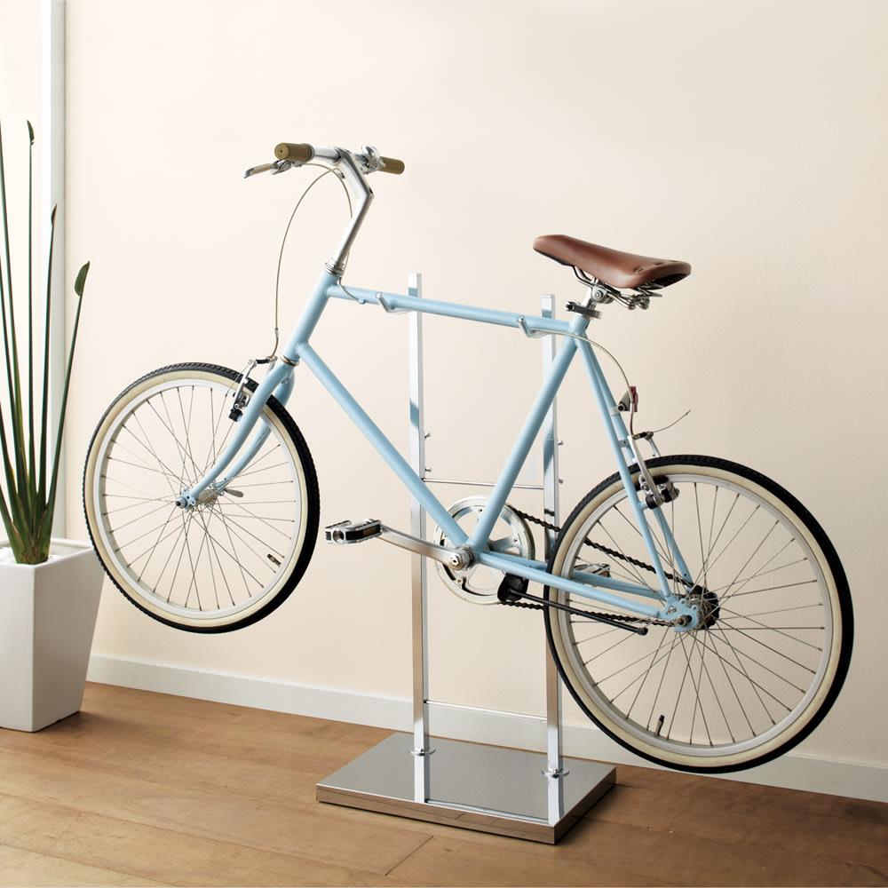 室内で使える ディスプレイサイクルスタンド 1台掛け お気に入りの自転車を室内でディスプレイできる、自立式の自転車ラックです。