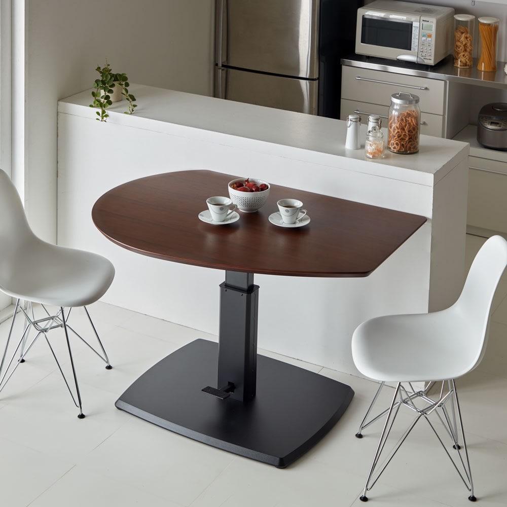コミュニケーション昇降式テーブル コーディネート例(ア)ホワイト(高さ73cm時) ※チェアは商品に含まれません。