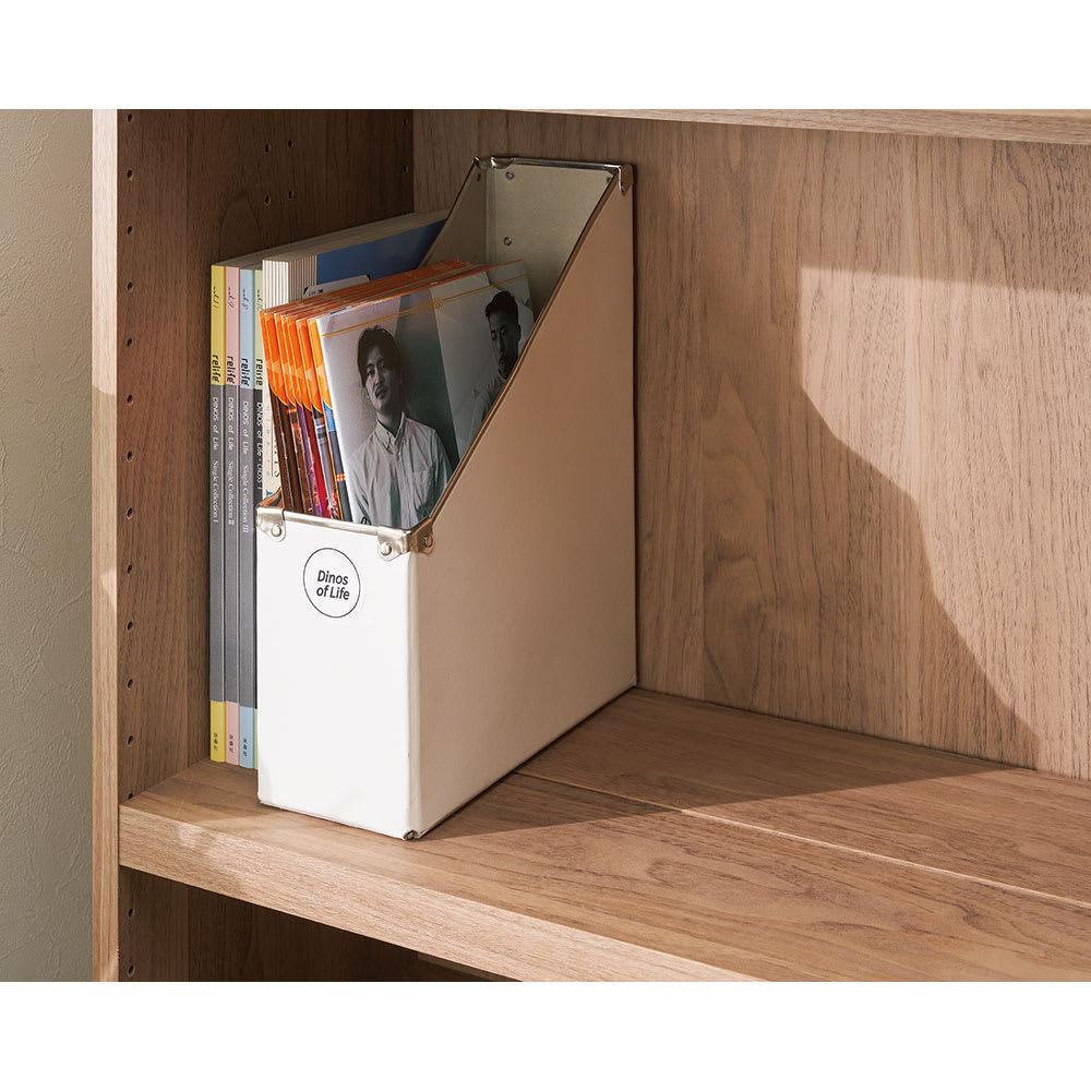 想いを集める 推し活グッズ収納庫  扉 ロー 幅60cm 前後の高さをそろえれば、奥行のある写真集や会報誌、パンフレットの収納もOK。