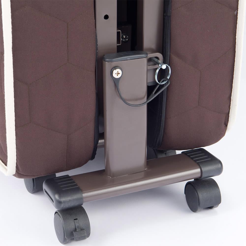 開梱してすぐ使える![組立不要]低反発ダブルリクライニング電動ベッド 折りたたみ時、広がり防止にストッパー付き。