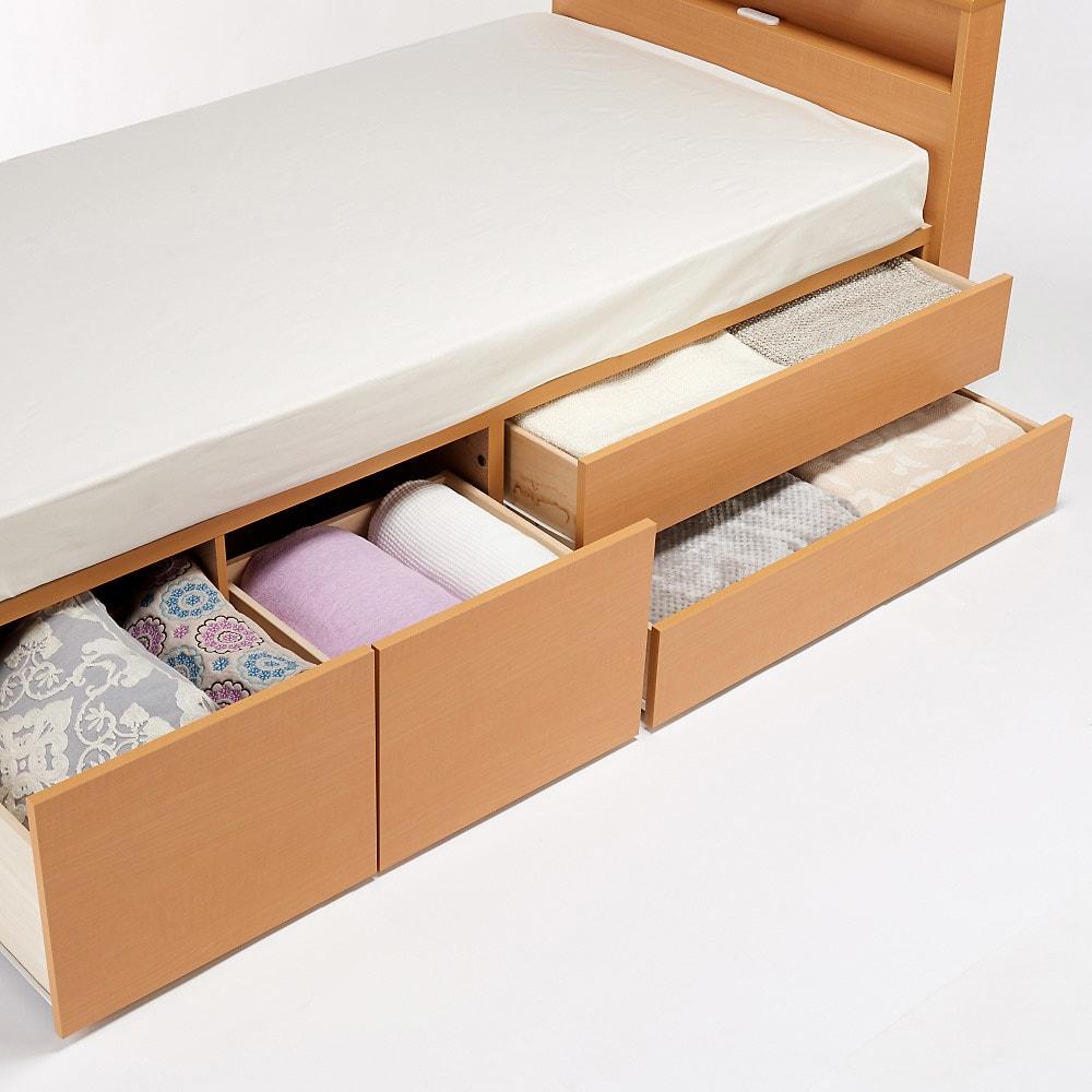 国産マットレス付き棚付き省スペースベッド(ショート/レギュラー) 衣類などを大量収納!