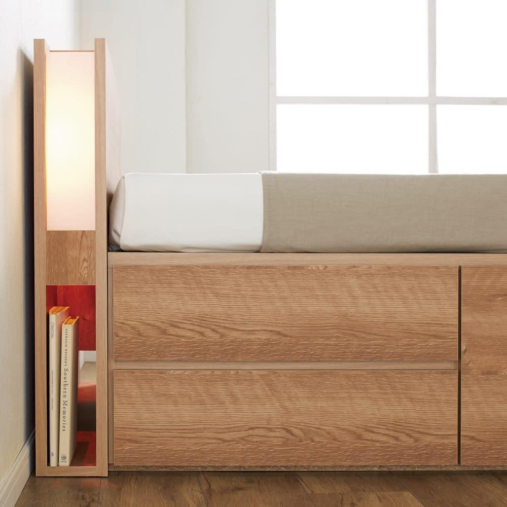 北欧スタイル照明チェストベッド フレームのみ 優しい照明。A4サイズの雑誌などが収納可能。