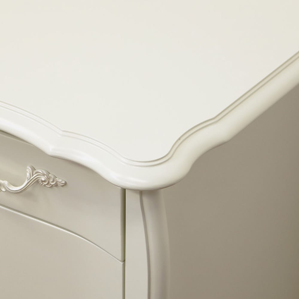 BLANC/ブランエレガントラインシリーズ デスク(ミラーなし) 天板から猫脚まで優美なラインで構成されたデザイン。