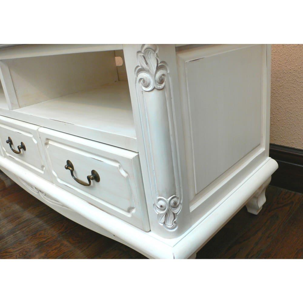 アンティーク調クラシック家具シリーズ テレビ台・幅113cm 側面まで細やかなデザインを施しました。