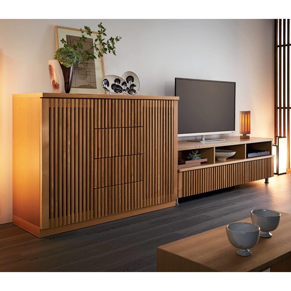 和モダン 格子リビング収納シリーズ テレビ台 幅150cm 使用イメージ(ア)ナチュラル ※お届けはテレビ台・幅150cmです。