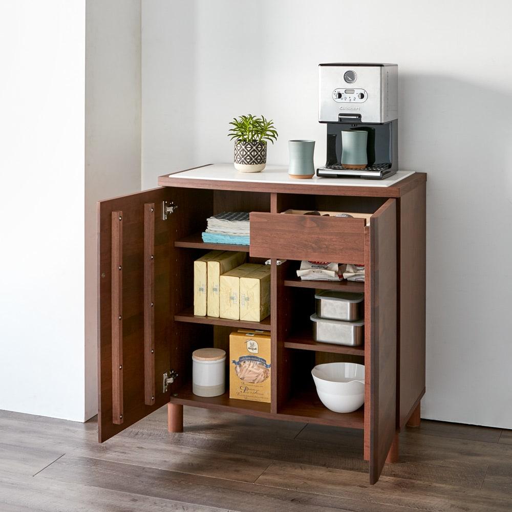 アルダー天然木アールデザインシリーズ カウンター 幅80cm 充実の収納力とデザインを両立しています。 (イ)ダークブラウン