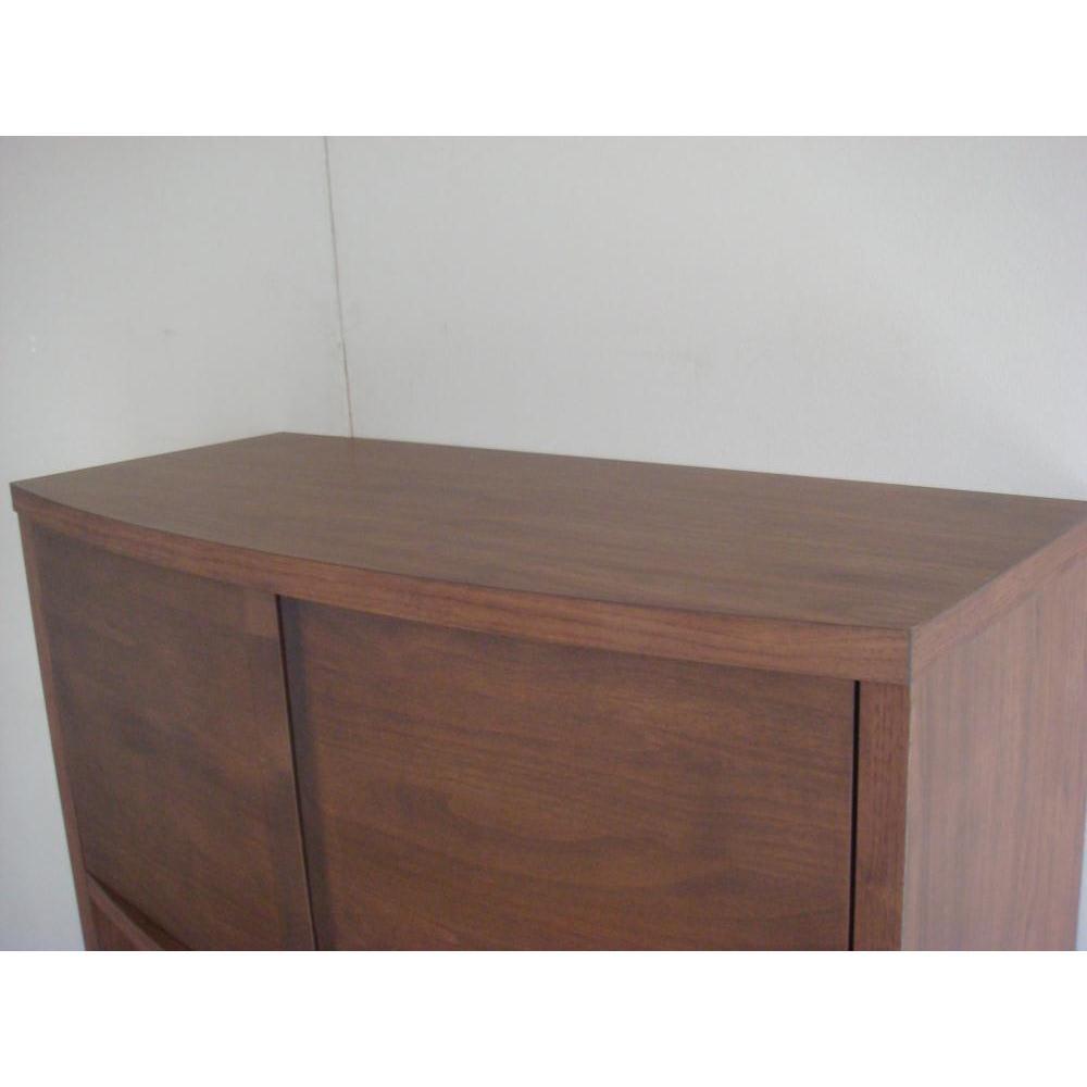 アルダー天然木アールデザインシリーズ キッチンボード 幅80cm 天板も化粧が施されています。