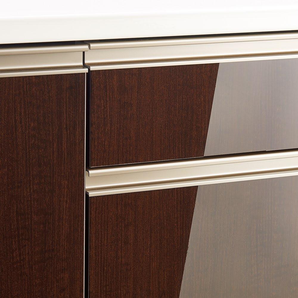 高機能 モダンシックキッチンシリーズ キッチンボード 幅120高さ178cm(カウンター高さ85cm) 光沢木目調の前板は汚れ落としも簡単。取っ手は面材の色調に馴染むブロンズ調。