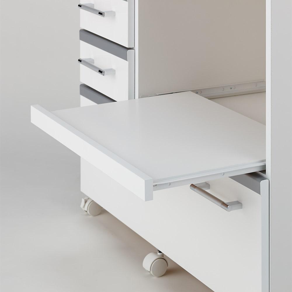 収納しやすいステンレストップカウンター 家電収納タイプ幅89cm スライドテーブルは手前に26cm引き出せます。