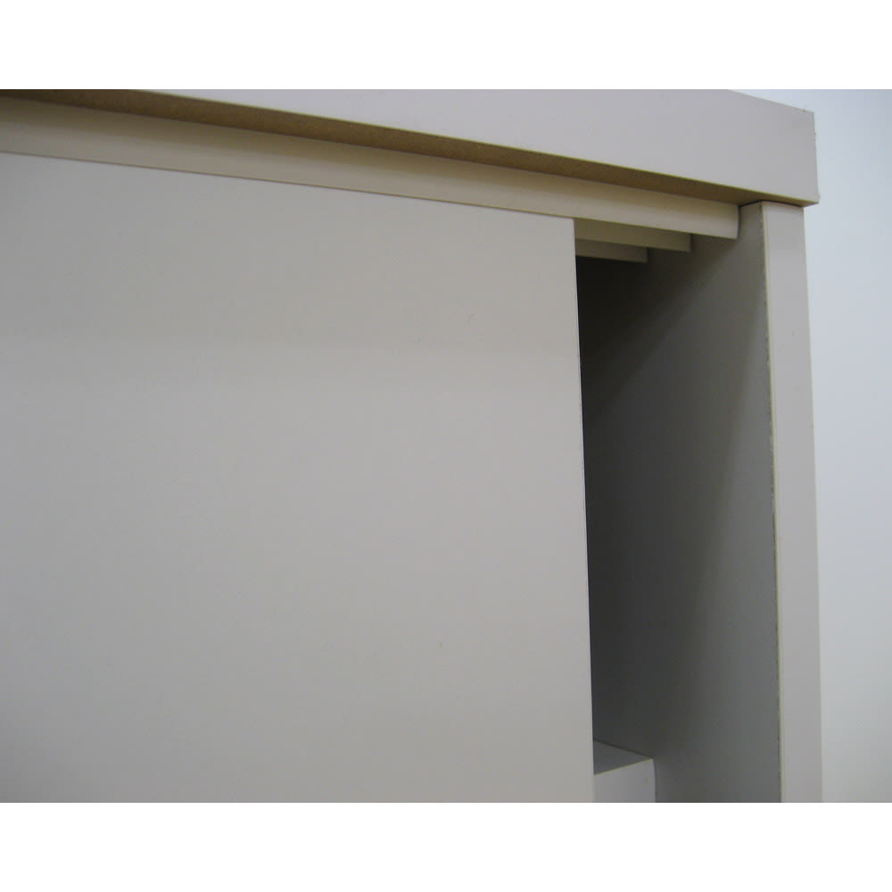1cmピッチで棚板調整カウンター下引き戸収納庫 幅60cm(2枚扉) 奥行21.5cm・高さ70cm