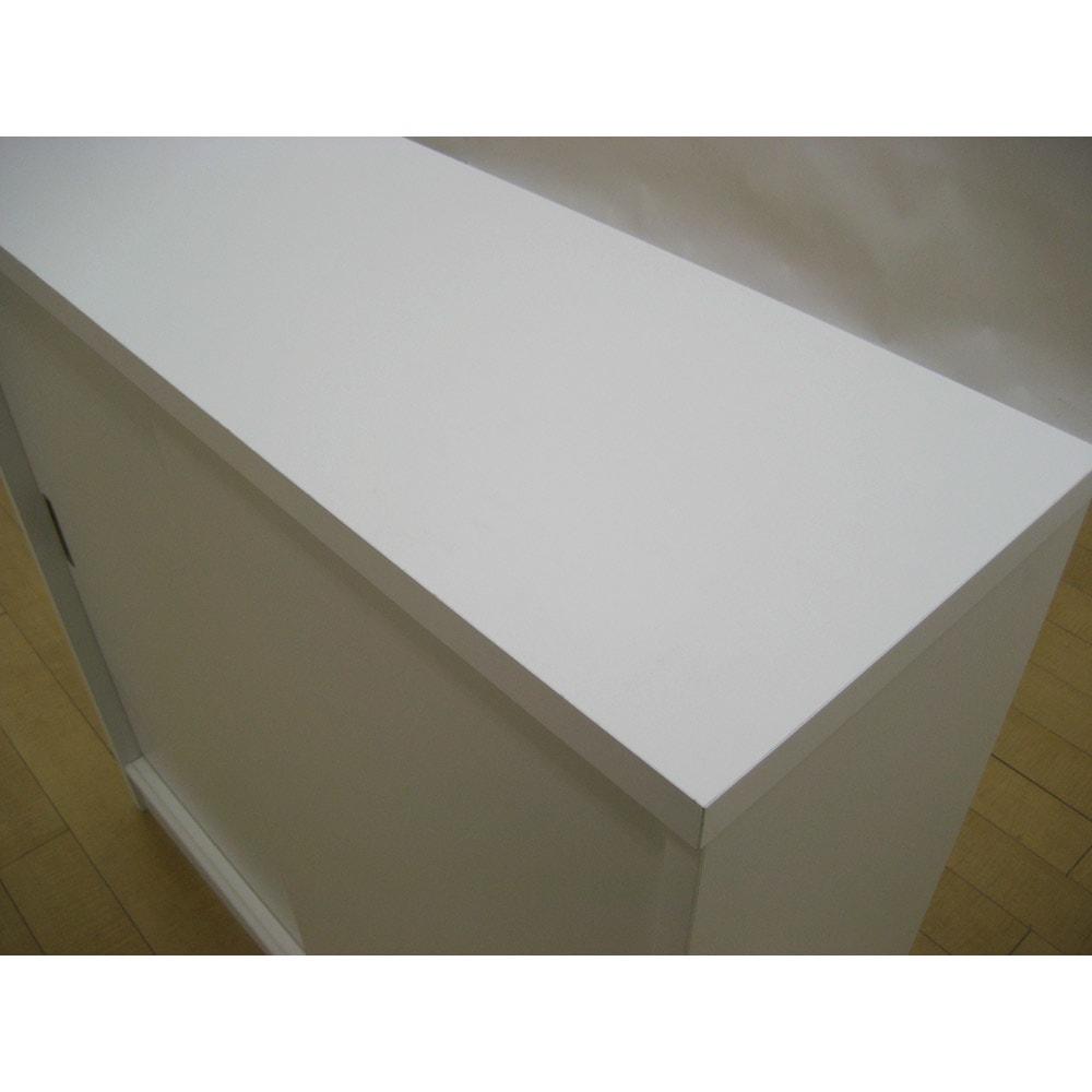 1cmピッチで棚板調整カウンター下引き戸収納庫 幅150cm(4枚扉) 奥行21.5cm・高さ90cm