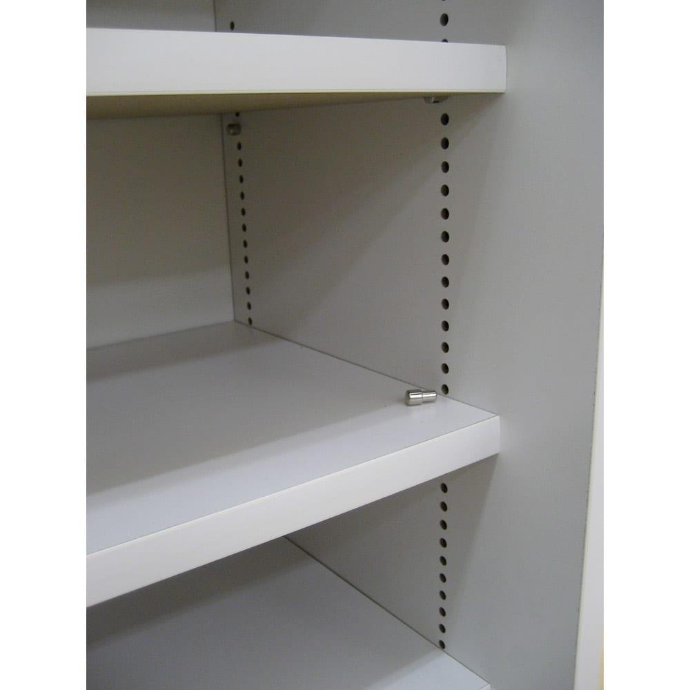 1cmピッチで棚板調整カウンター下引き戸収納庫 幅90cm(2枚扉) 奥行30cm・高さ90cm 棚板は1cmピッチで移動できます