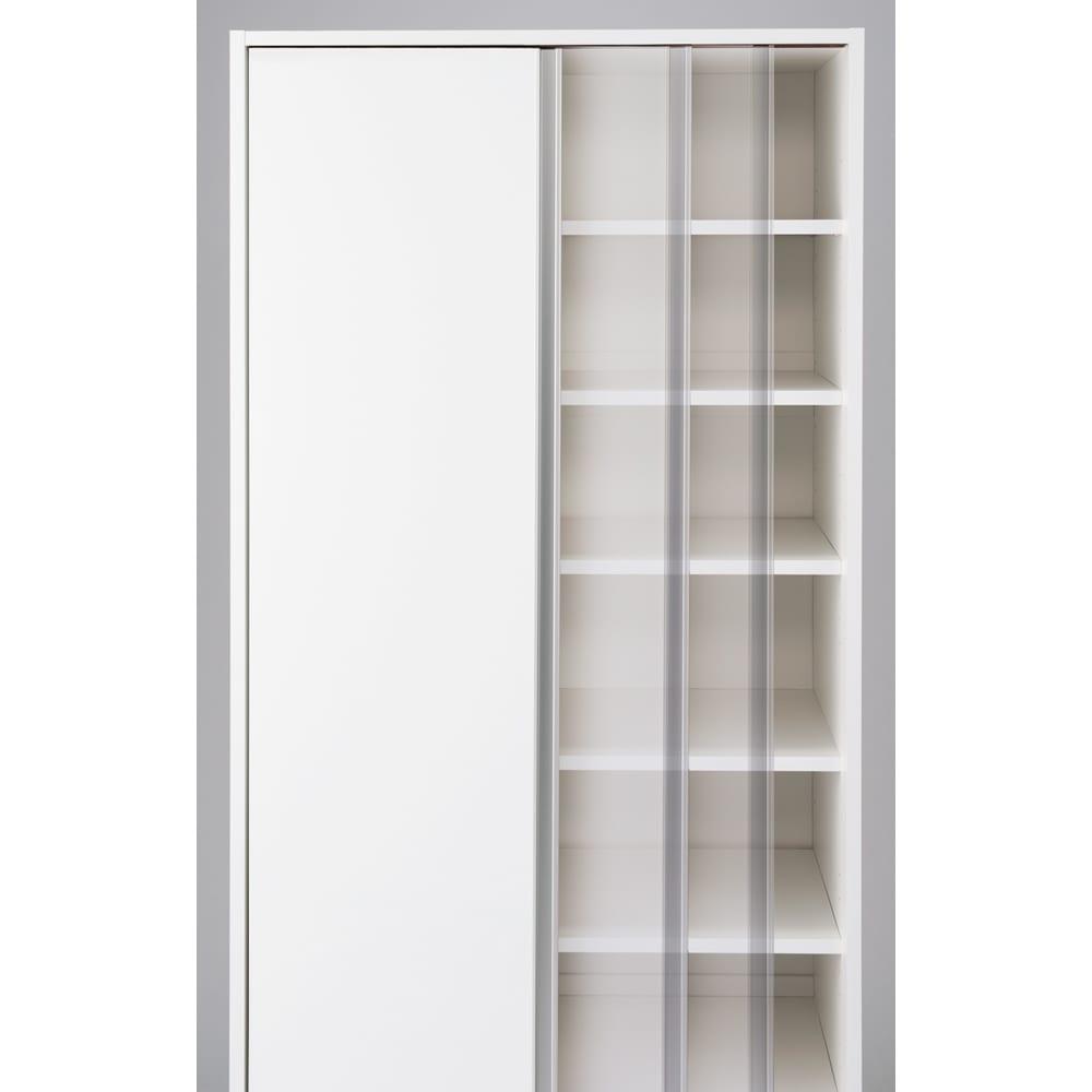 頑丈引き戸キッチンストッカー 幅76cm 開閉スムーズ。