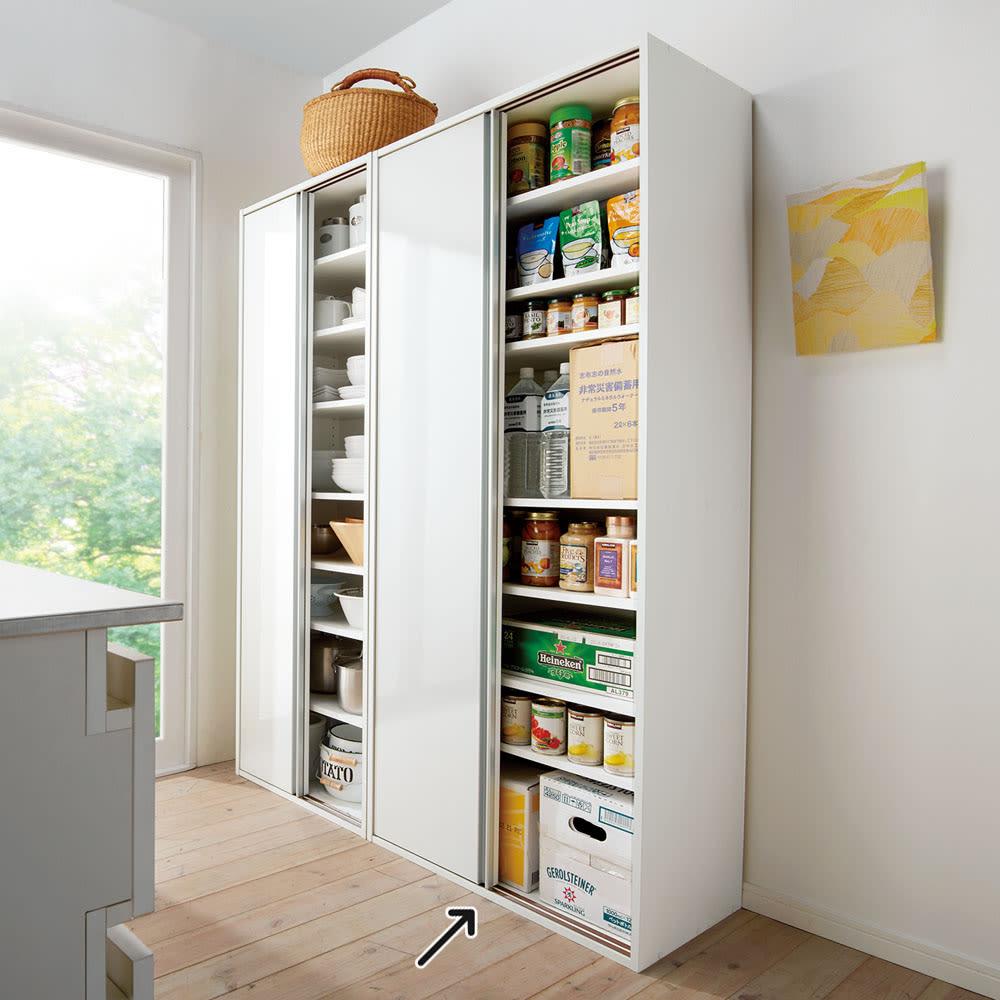 頑丈引き戸キッチンストッカー 幅76cm 使用イメージ