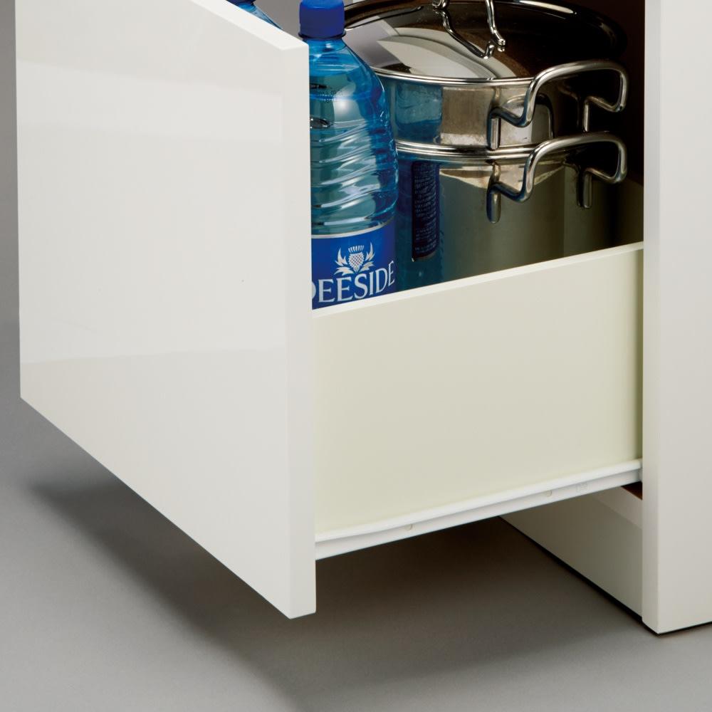 組立不要!幅1cm単位で62サイズから選べるすき間収納庫 ロータイプ 幅31~45cm・奥行55cm 引き出しはスムーズに開閉できるコロレール付き。重いものを入れても安心。