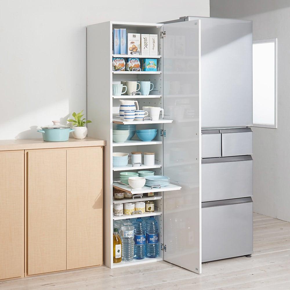 食器が探しやすく取り出しやすい食器棚 幅45cm コーディネート例(ア)ホワイト