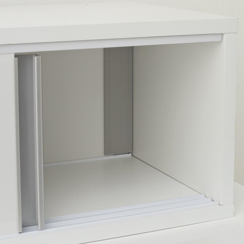 《幅120cm》光沢仕上げ 水ハネ対応引き戸カウンター上収納庫(幅120cm 超大容量タイプ) 片側からでも両面からでも取り出し可能です。