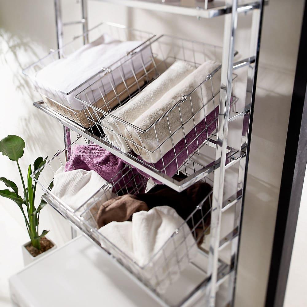 スタイリッシュランドリーラック 棚1段・バスケット4個 ランドリーバスケットはバスタオルの収納や洗濯物を入れるのに便利です。